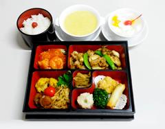 お弁当2000円